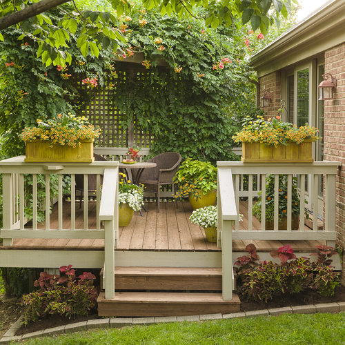 small_patio_c_2017_005.jpg