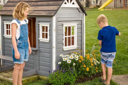 perennial_garden_playhouse_297.jpg